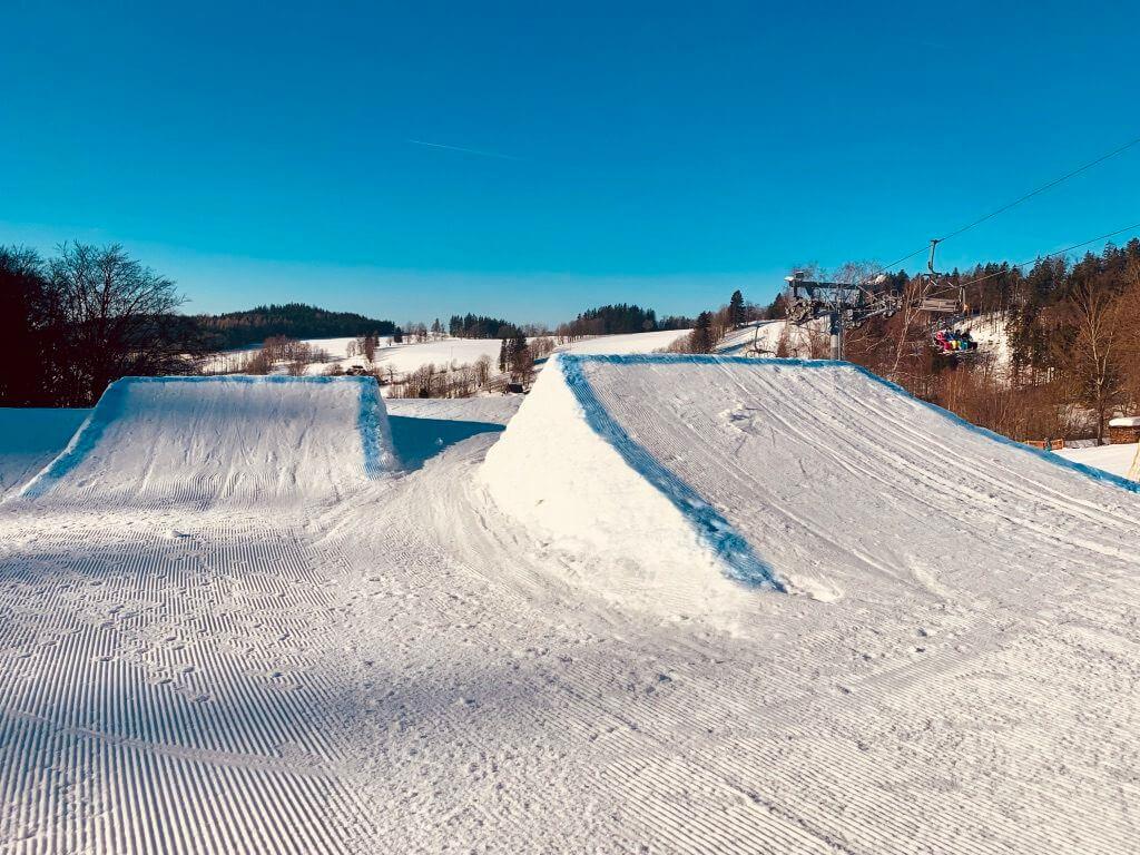 Jump snowpark