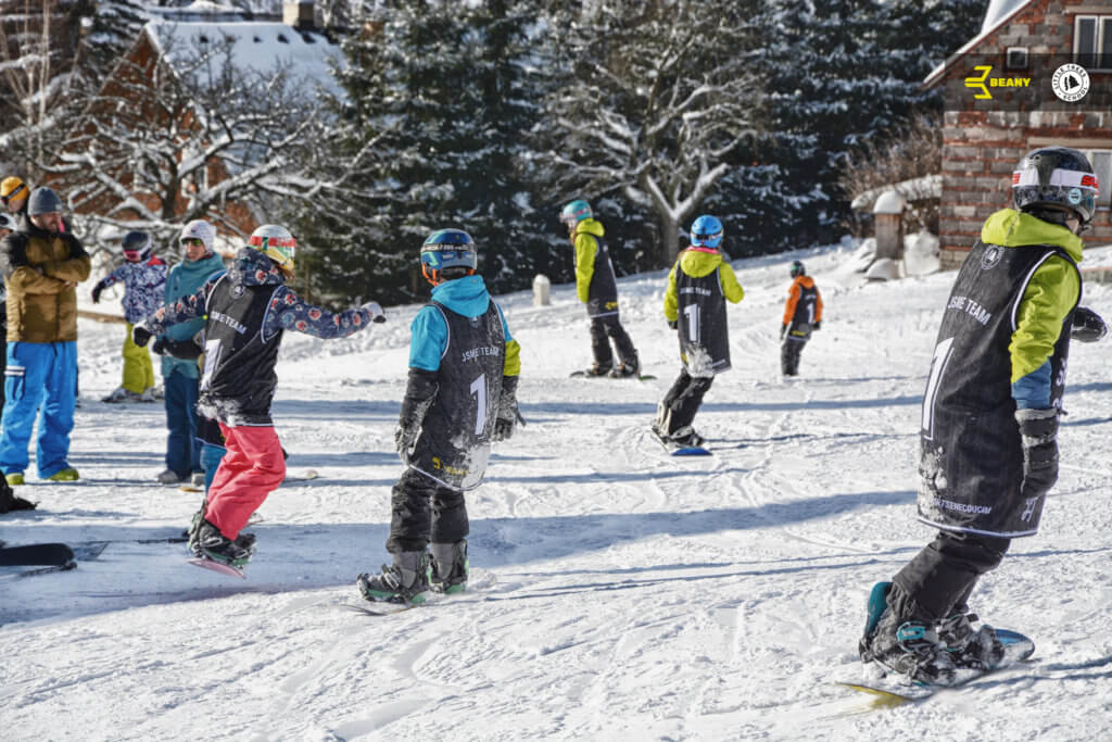 Spanilá jízda kemperů na Beany Snowboard Campu