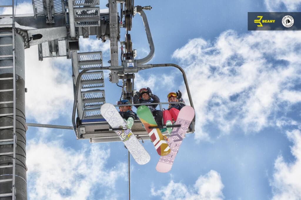 Lanovka Benecko snowboardisti