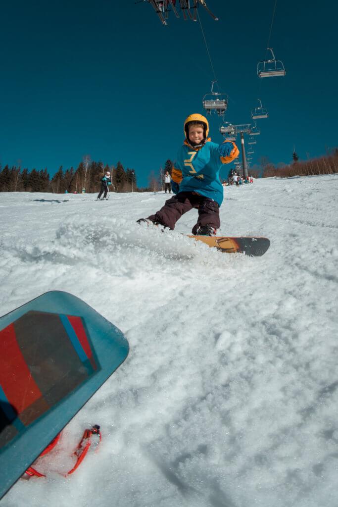 snowboarding snow sprcha