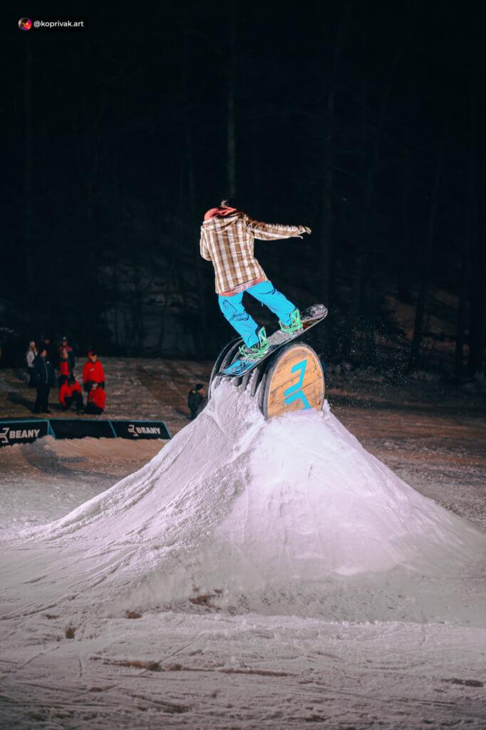 Spin tube snowboard
